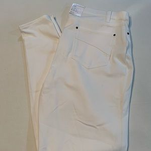 Time and Try Women's White Jeggings!  BNWT!!